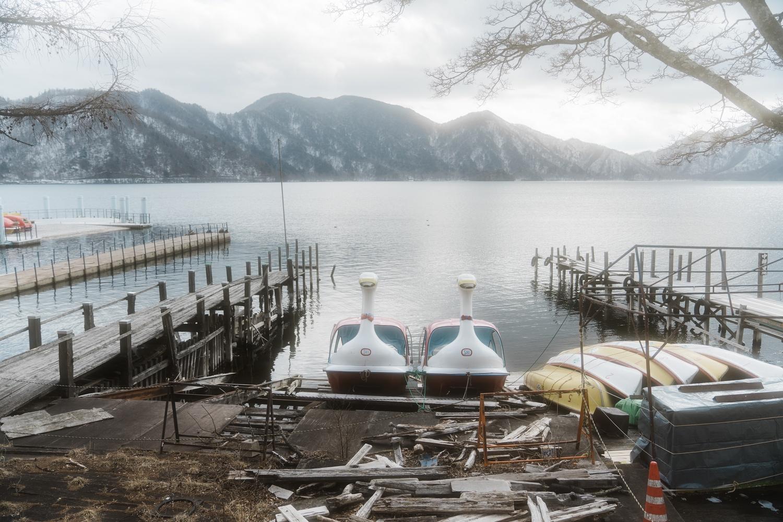 中禅寺湖とアヒルボート