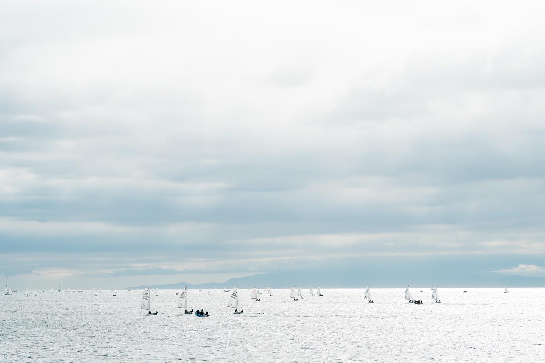 海と戯れる