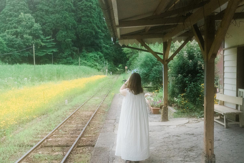 小湊鉄道を待つ